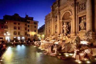 Trevi's fountain at night with our special dusk tour of Rome