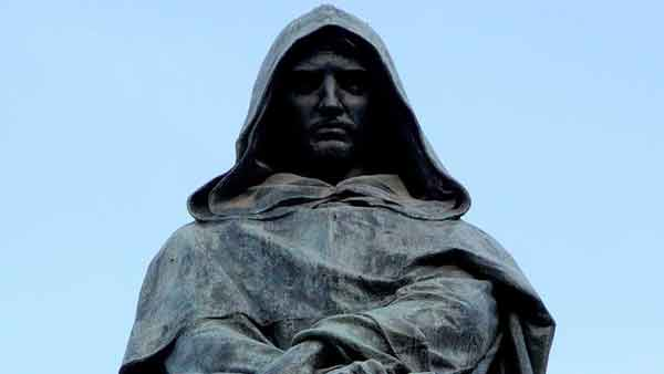 Giordano Bruno's statue at Campo de' Fiori. One of the first victims of the Illuminism, one of the most famous crimes of Rome. Join our criminal tour of Rome to learn more.