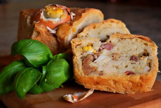 Traditional Napolitan Easter dish: the casatiello. Chec our blog for more info about Roman and italian curiosities