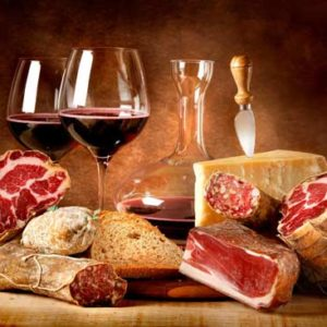 A wine and food picture of traditional Italian products. Learn and discover traditional italian wine and food pairing with our Wine Tour in Rome
