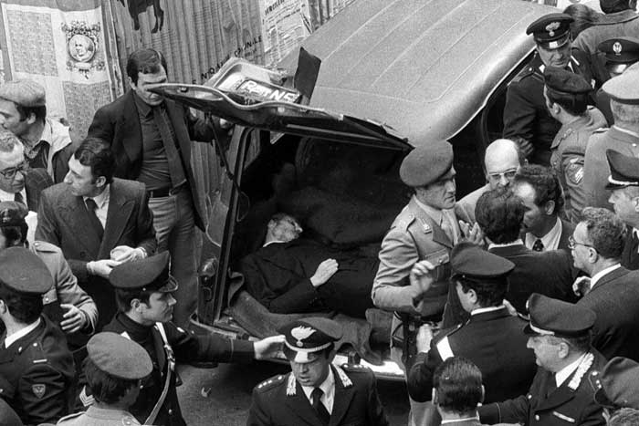 The lifeless body of Aldo Moro found in the boot of a Renault 4